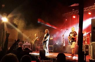 Reincidentes en concierto (Alcampell, 2018-09-01 02:03)